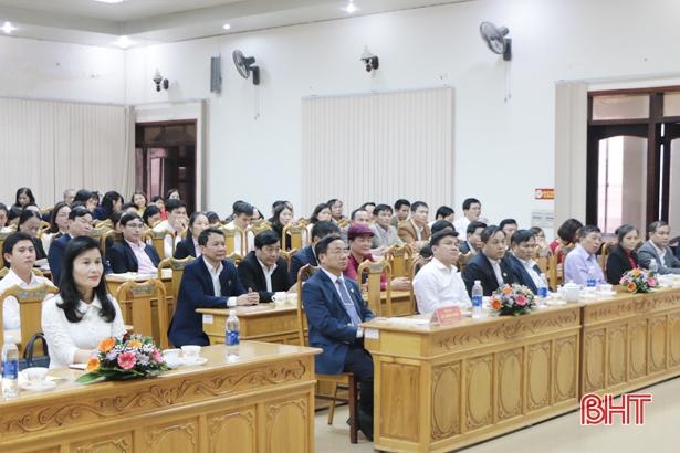 Ngân hàng Nhà nước Hà Tĩnh nhận Huân chương Lao động hạng Nhất
