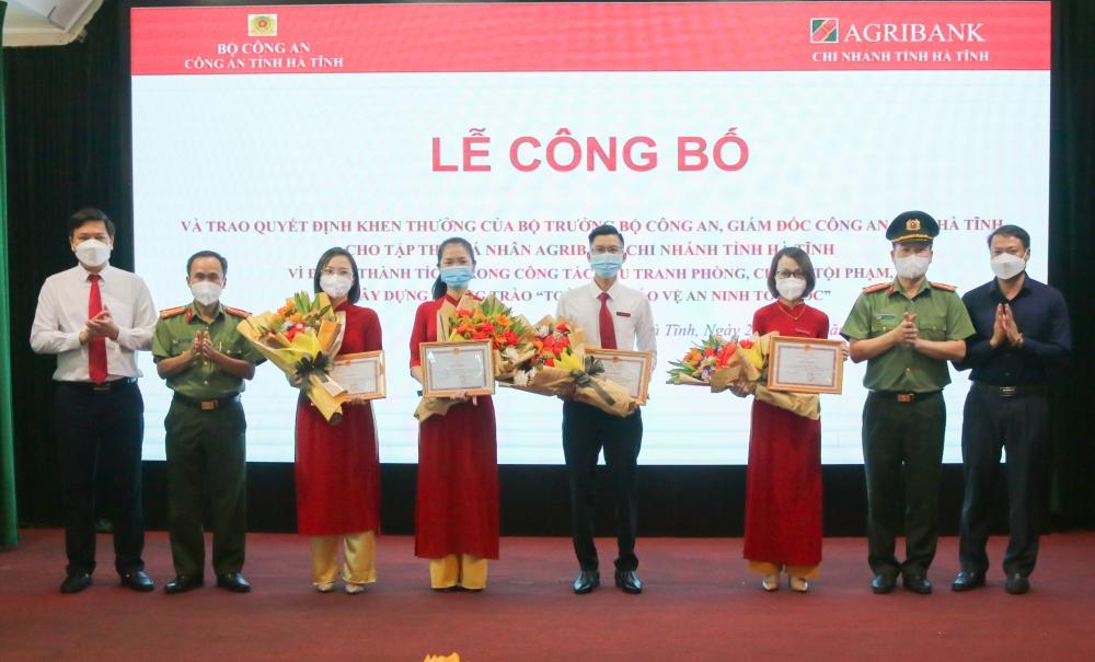 Agribank Chi nhánh tỉnh Hà Tĩnh - Vinh dự đón nhận Bằng khen đơn vị xuất sắc trong phong trào toàn dân bảo vệ an ninh tổ quốc năm 2020
