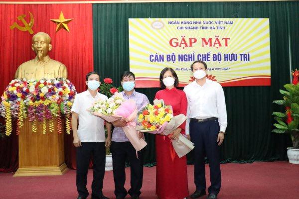 Ngân hàng Nhà nước Chi nhánh Hà Tĩnh tổ chức gặp mặt cán bộ nghỉ chế độ hưu trí