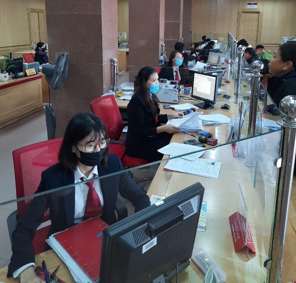 Ngành ngân hàng Hà Tĩnh triển khai các giải pháp hỗ trợ khách hàng bị ảnh  hưởng do dịch bệnh nCoV