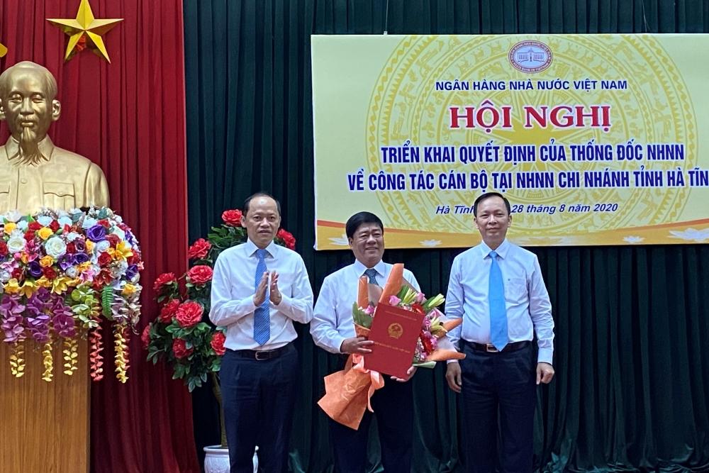 Ngày 28/8/2020, Đoàn công tác của Ngân hàng Nhà nước Việt Nam do đồng chí Đào Minh Tú, Phó Bí thư Ban cán sự Đảng, Phó Thống đốc thường trực NHNN làm Trưởng đoàn phối hợp với Ngân hàng Nhà nước Chi nhánh tỉnh Hà Tĩnh tổ chức triển khai Quyết định của Thống đốc về công tác cán bộ.